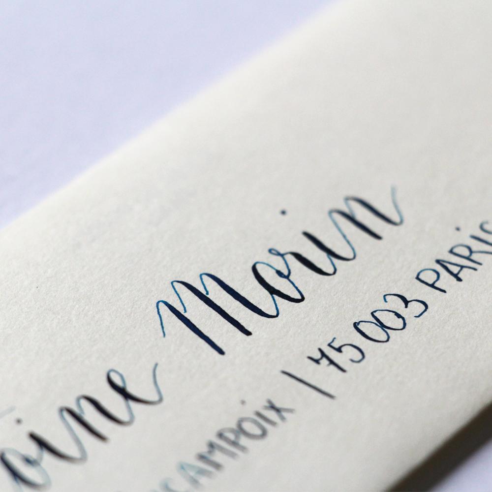 Calligraphique sur etsy.fr | Calligraphie personnalisée marque-places enveloppes événement