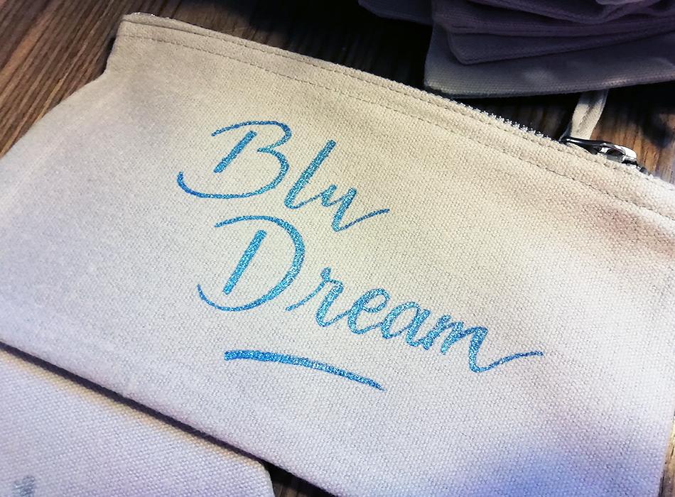 calligraphie sur textile pochette – calligraphique
