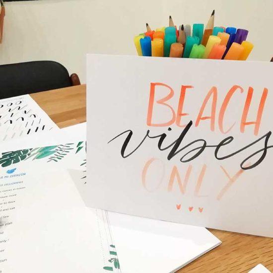 atelier initiation brush lettering Bobbies calligraphique