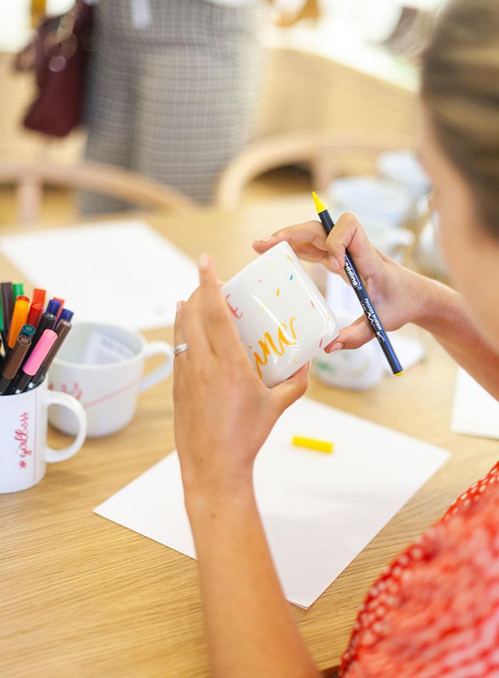 Bobbicalligraphie sur mugs – bobbies Calligraphiquees2
