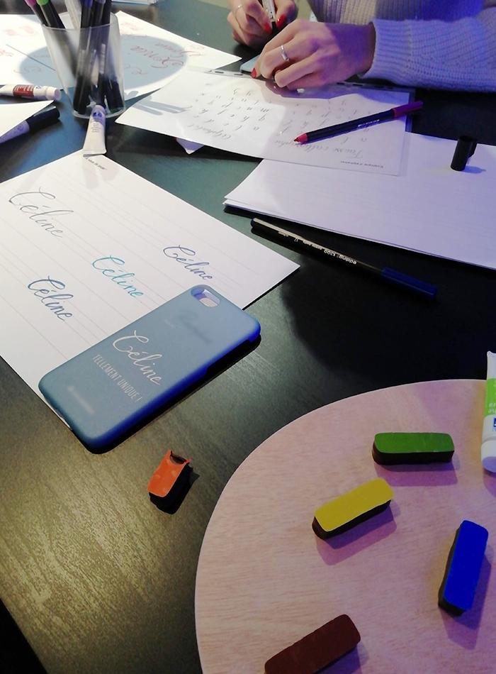 atelier calligraphie coque téléphone